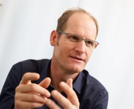 Dr. med. Ingo Pfeiffer im Beratungsgespräch
