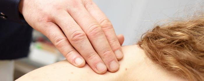 Erfolgreiche Schmerzdiagnostik an der Halswirbelsäule